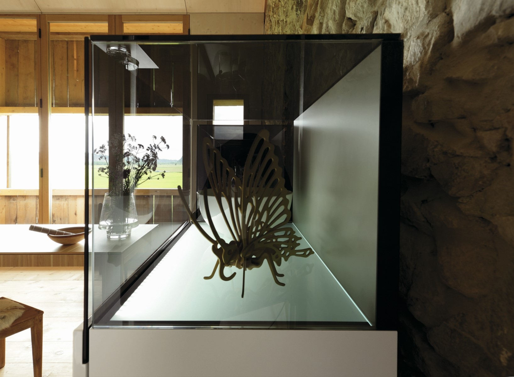 h lsta now vitrines szekr ny innoshop innoshop. Black Bedroom Furniture Sets. Home Design Ideas