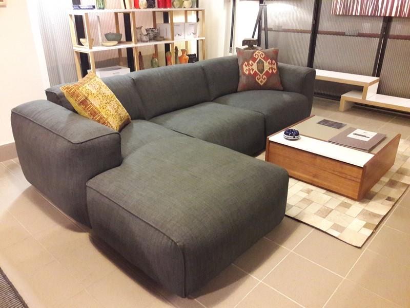 Scanova FRESNO showroom couch InnoShop