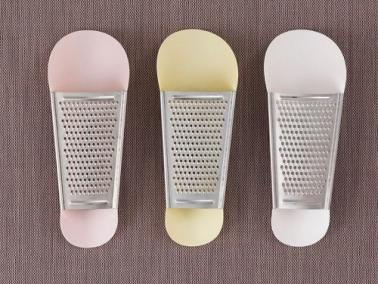 Normann Copenhagen PINCH Cheese Grater rose