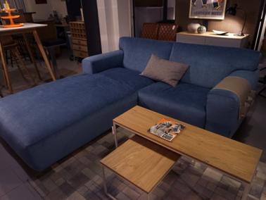 Furninova VESTA HIGH showroom sofa