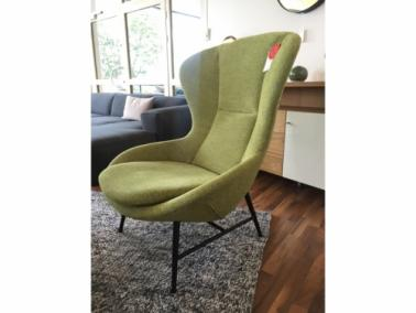 Theca QUEEN showroom armchair