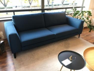 Theca VALENZA showroom sofa